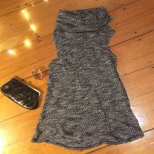 Anthropologie sleeveless turtleneck-Perfect for 🍁
